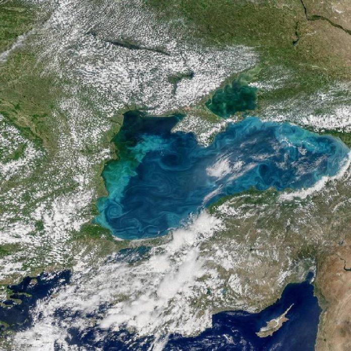 marea neagra turcoaz - nasa